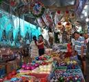 Thị trường mùa Giáng sinh: Mẫu mã cải tiến, giá cả không tăng