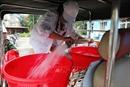 Xét nghiệm nước miễn phí cho các hộ dân khu vực sử dụng nước sông Đà