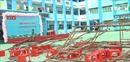 Giàn giáo sân khấu đổ sập xuống hàng chục học sinh