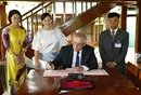 Thủ tướng Australia và Phu nhân thăm Khu Di tích Chủ tịch Hồ Chí Minh