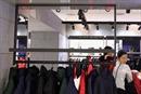Thương hiệu áo lông vũ cao cấp Canada hoãn mở chi nhánh đầu tiên ở Trung Quốc
