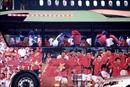 Người hâm mộ hân hoan chào đón Đoàn Thể thao Việt Nam