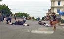 Hai xe máy đấu đầu trên quốc lộ 21B làm 3 người thương vong