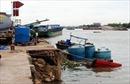 20 thùng axit chìm xuống sông Đồng Nai, chủ thuyền không có giấy phép chuyên chở