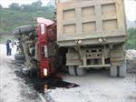 Xe tải đâm nhau, 2 người chết ngay tại chỗ