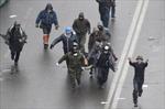 Ngừng bắn và quốc tang cũng không thể ngăn chặn bạo loạn ở Kiev