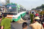 Thanh niên tử vong trong gầm xe buýt, đường Sài Gòn kẹt nặng