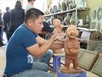 Đưa Gốm Luy Lâu trưng bày triển lãm sản phẩm làng nghề tại Pháp