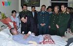 Chủ tịch nước thăm quân nhân bị nạn vụ máy bay rơi