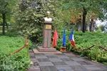 Xúc động lễ dâng hoa tượng Bác tại thành phố Montreuil (Pháp)