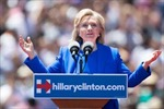 Bà Hillary Clinton và lá bài giới tính