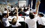 Tăng thời gian học giúp giảm nguy cơ lây nhiễm HIV