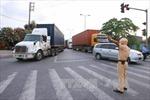 Xe container tông hai vợ chồng tử vong