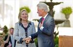 Ông Bill Clinton bênh vực bà Hillary về bê bối email