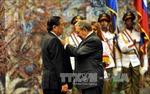 Chủ tịch Lào nhận Huân chương Jose Marti của Cuba