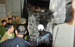 Hỏa hoạn thiêu rụi 3 cửa hàng ở Thanh Trì, Hà Nội