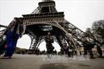 Sơ tán khu vực tháp Eiffel sau cảnh báo đánh bom