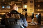 Paris kéo dài lệnh cấm tập trung nơi công cộng