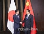 """Thủ tướng Trung Quốc và Nhật Bản hội đàm """"chớp nhoáng"""""""