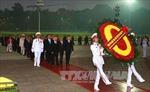 Đại biểu dự Đại hội Đảng XII viếng Chủ tịch Hồ Chí Minh