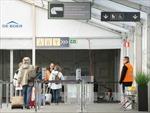 Cảm xúc những hành khách đầu tiên đáp xuống sân bay Zaventem
