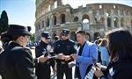 Cảnh sát Trung Quốc tuần tra đường phố Rome