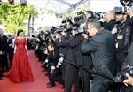 Gợi nhớ nàng Scarlett, Lý Nhã Kỳ hút rừng ống kính ở Cannes