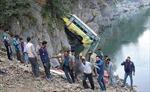 Xe tải đấu đầu xe buýt ở Ấn Độ, hơn 42 người thương vong
