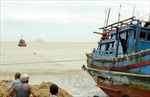 Tàu cá va chạm trên biển, 15 thuyền viên thoát nạn