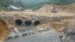 """Hàng nghìn mét khối đất đá tiếp tục """"trôi"""" xuống quốc lộ 40B"""