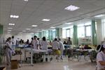 Gần 60 công nhân nhập viện nghi do dị ứng ăn trưa