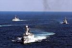 Bộ trưởng Quốc phòng Philippines bất ngờ lên tiếng về hoạt động của tàu Trung Quốc