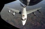 Mỹ cử máy bay 'đánh hơi hạt nhân' tới Nhật Bản
