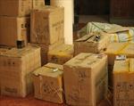 Phát hiện 7 thùng mỹ phẩm và 9 bao lạc nhân nhập lậu bất hợp pháp