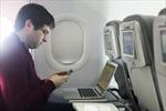 Mỹ tạm hoãn ban hành lệnh cấm laptop trên khoang hàng khách máy bay