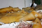 Phát hiện gần nửa tấn thịt lợn thối được cất giữ trong tủ đông