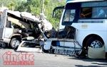 Xe nổ lốp va chạm với xe khách khiến 1 người chết, 6 người bị thương
