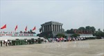 Đoàn cựu giáo viên kiều bào tại Thái Lan vào lăng viếng Chủ tịch Hồ Chí Minh