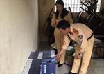 Bắt vụ vận chuyển 2.500 bao thuốc lá không có giấy tờ hợp lệ
