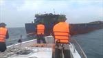 Tàu bị cháy khoang máy, 11 thuyền viên gặp nạn trên biển