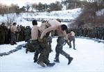 Thuỷ quân lục chiến Mỹ-Hàn hăng say tập luyện dù trời lạnh âm 20 độ