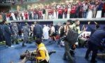 Sập hàng rào sân vận động, hàng chục người bị thương