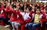 Trao tặng 418 tủ sách cho các trường tiểu học huyện Yên Định