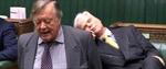 Nghị sĩ Anh ngủ say sưa giữa phiên tranh luận Brexit của Hạ viện