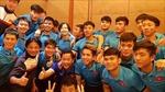 Đội tuyển U23 Việt Nam mừng sinh nhật Đức Huy, Công Phượng ngay đêm chiến thắng