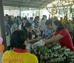 Ấm áp phiên chợ Tết 0 đồng cho bệnh nhân nghèo