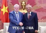 Phó Chủ tịch Quốc hội Uông Chu Lưu tiếp Chủ tịch Nhóm Nghị sỹ Đảng Nước Nga Công bằng