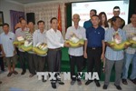 Tấm lòng Việt chia sẻ khó khăn với bà con kiều bào và người dân nghèo Campuchia