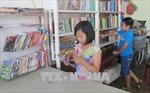 'Cô giáo 14 tuổi' và thư viện sách miễn phí