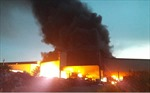 Cháy rụi 3 kho hàng tại huyện An Dương, Hải Phòng